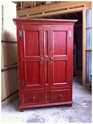 Armoire antique en pin de jolie rouge de 72 ''