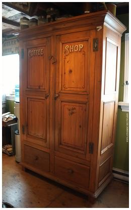 Armoire antique en pin de 72 ''