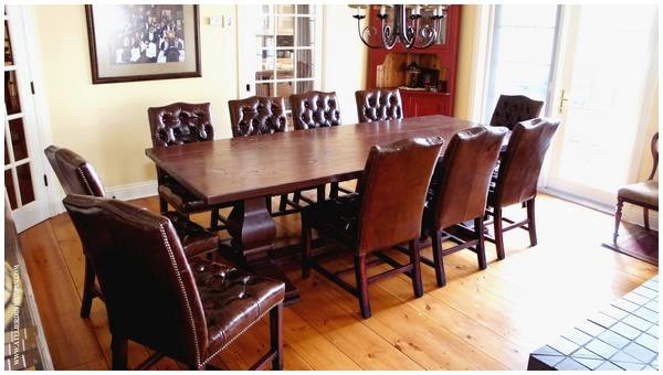 Refectory table with feet balusters